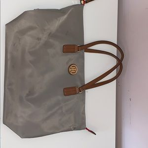 Gently used gray Tommy Hilfiger tote.